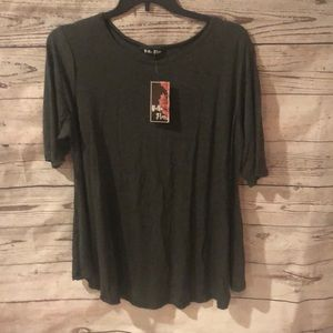 Tops - NWT 3/4 sleeve soft cotton tee size 1X